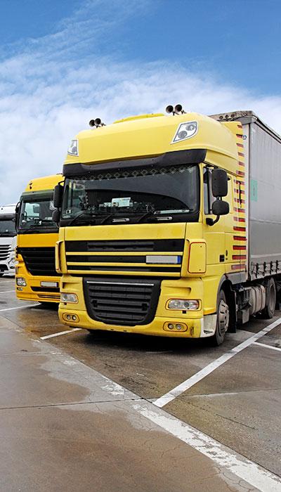 yellow 18 wheeler truck lone star analysis industry